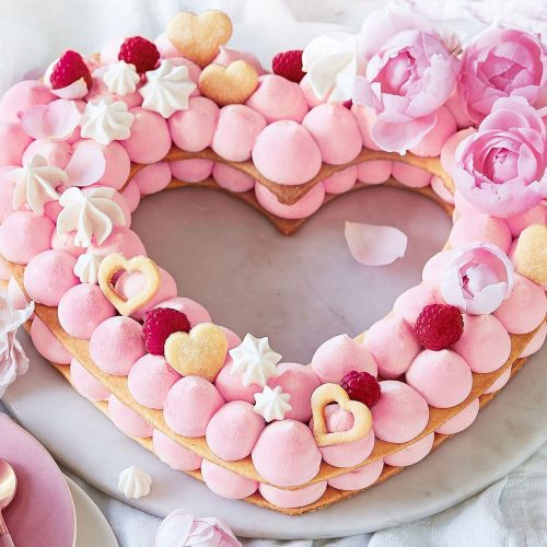 may-18_love-heart-biscuit-cake-3000x2000-137012-1 (1)